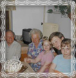 Starí rodičia Vladimír a Etela Trstenskí v roku 2001 s vnúčatami